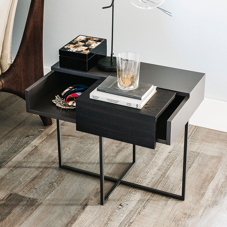 designer nachtisch die wohn galerie. Black Bedroom Furniture Sets. Home Design Ideas
