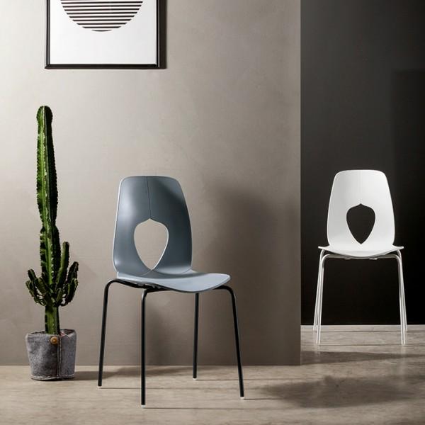Designer Stapelstuhl HOLE von TONIN CASA